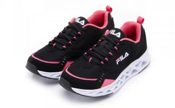 女性運動鞋